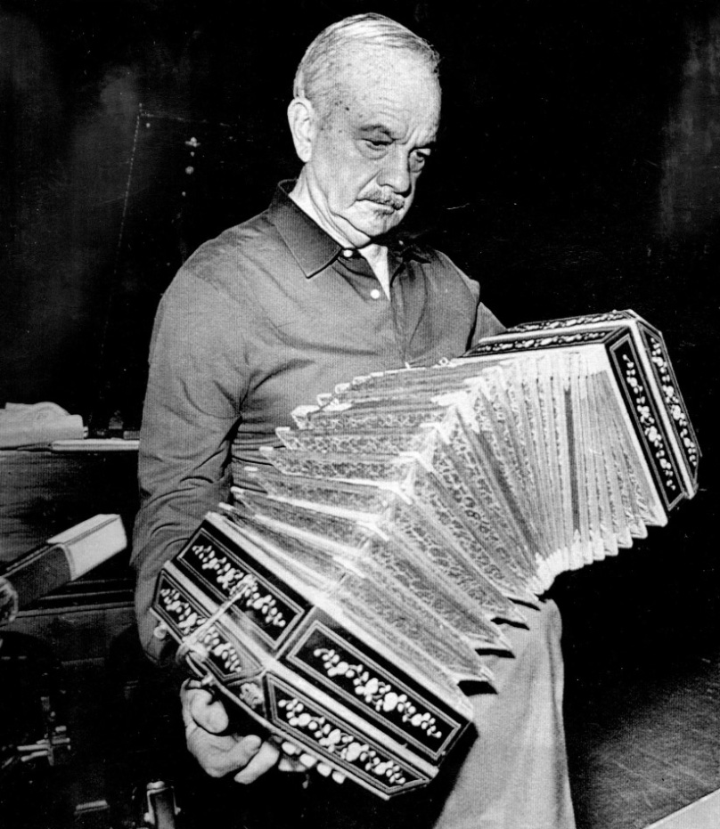 Astor Piazzolla rehearses in Eugene, Ore., in May 1989. ( Steve Slocum / For The Times)